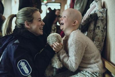 Nina genießt jede Minute mit ihrer Tochter Venla (© EDEL: motion)