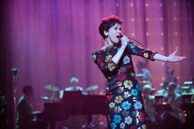 Garland in ihrem Element (© Entertainment One Films Germany Inc. Alle Rechte vorbehalten.)