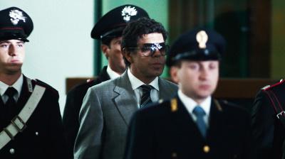 Vor Gericht sorgt Buscetta für eine Revolution (© Pandora Film)