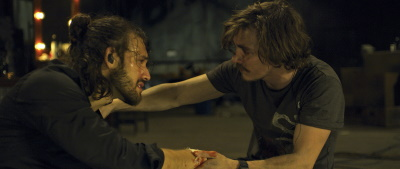 Max und Drew bekommen es mit der Angst zu tun (© EuroVideo)