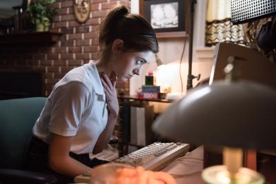 Huch, was ist denn da im Internet los? (© Capelight Pictures)