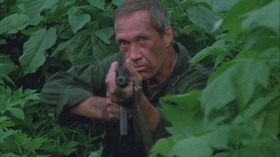 Cooper kämpft sich durchs Feindesland (© 1986 Metro-Goldwyn-Mayer Studios Inc. All Rights Reserved)