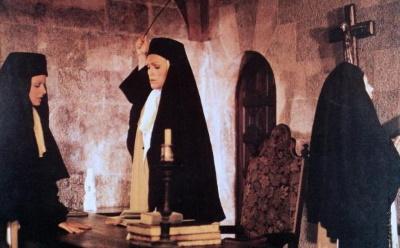 Im Kloster herrschen strenge Regeln (© Comptoir Francais du Film Prodution. All Rights Reserved.)