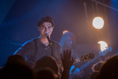 Jeremy fühlt sich auf der Bühne wohl (© StudioCanal)