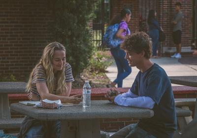 Hat Rain in Caleb einen Freund gefunden? (© Leonine Distribution)