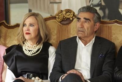 Die fetten Jahre sind für Moira und Johnny vorbei (© 2015 Entertainment One Films Canada Inc. All Rights Reserved. Licensed by ITV Studios)