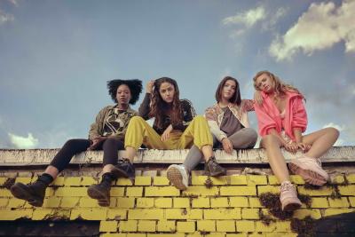 Vier Freundinnen wollen die Welt erobern (© 2020 Turner Broadcasting System Europe Limited - a WarnerMedia Company/W&B Television GmbH/ Pascal Bünning)