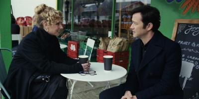 Josh vermisst die Zeit mit Ex-Freundin Megan (© Apple TV+)
